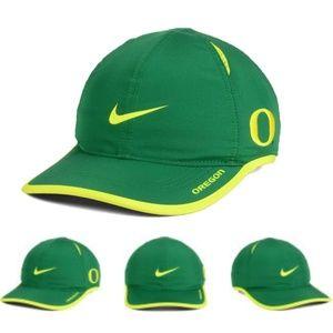Oregon Ducks NCAA Nike Featherlight Dri-Fit Hat